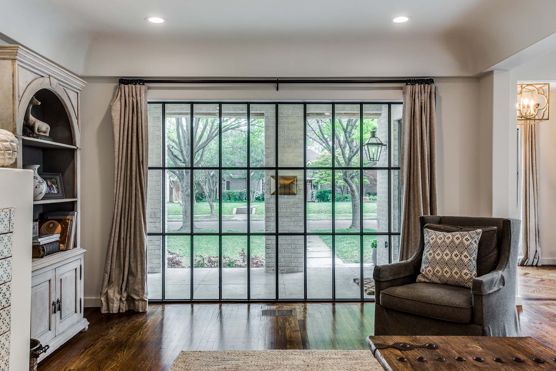 Classic style MHB steel windows in stanford dallas