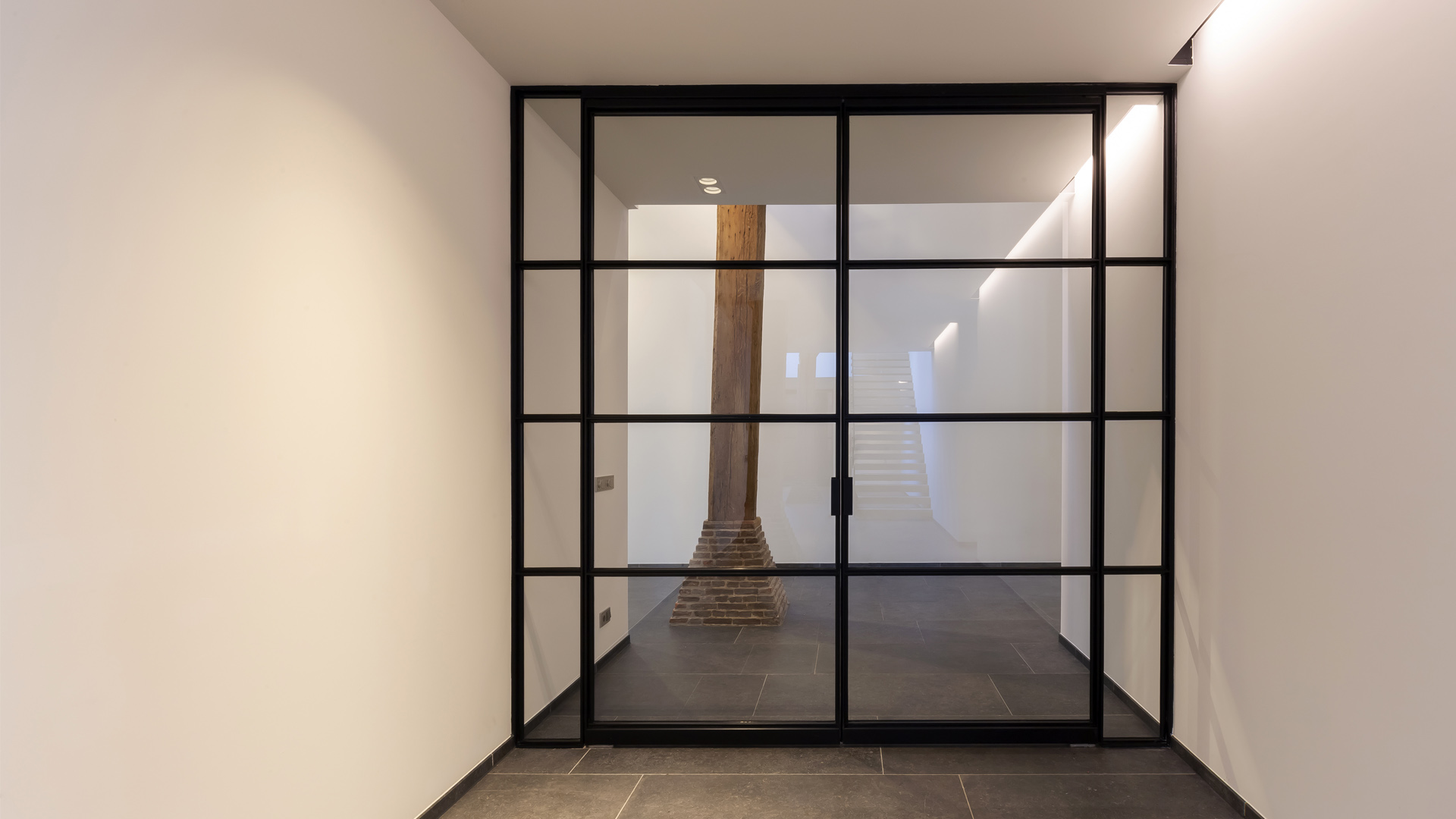 MHB indoor profile system doors, farm in the Netherlands