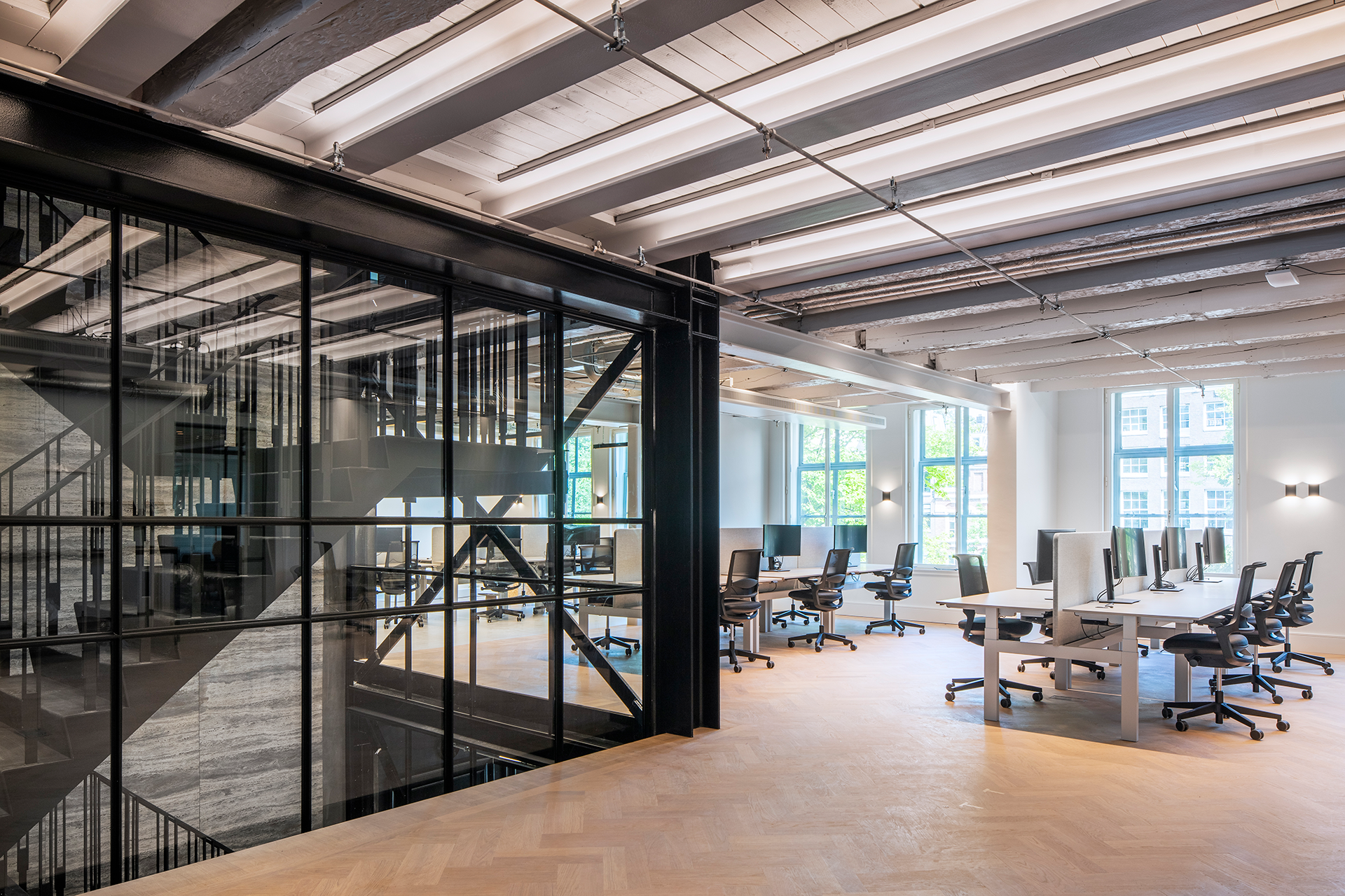 Keizersgracht super-slim steel facades