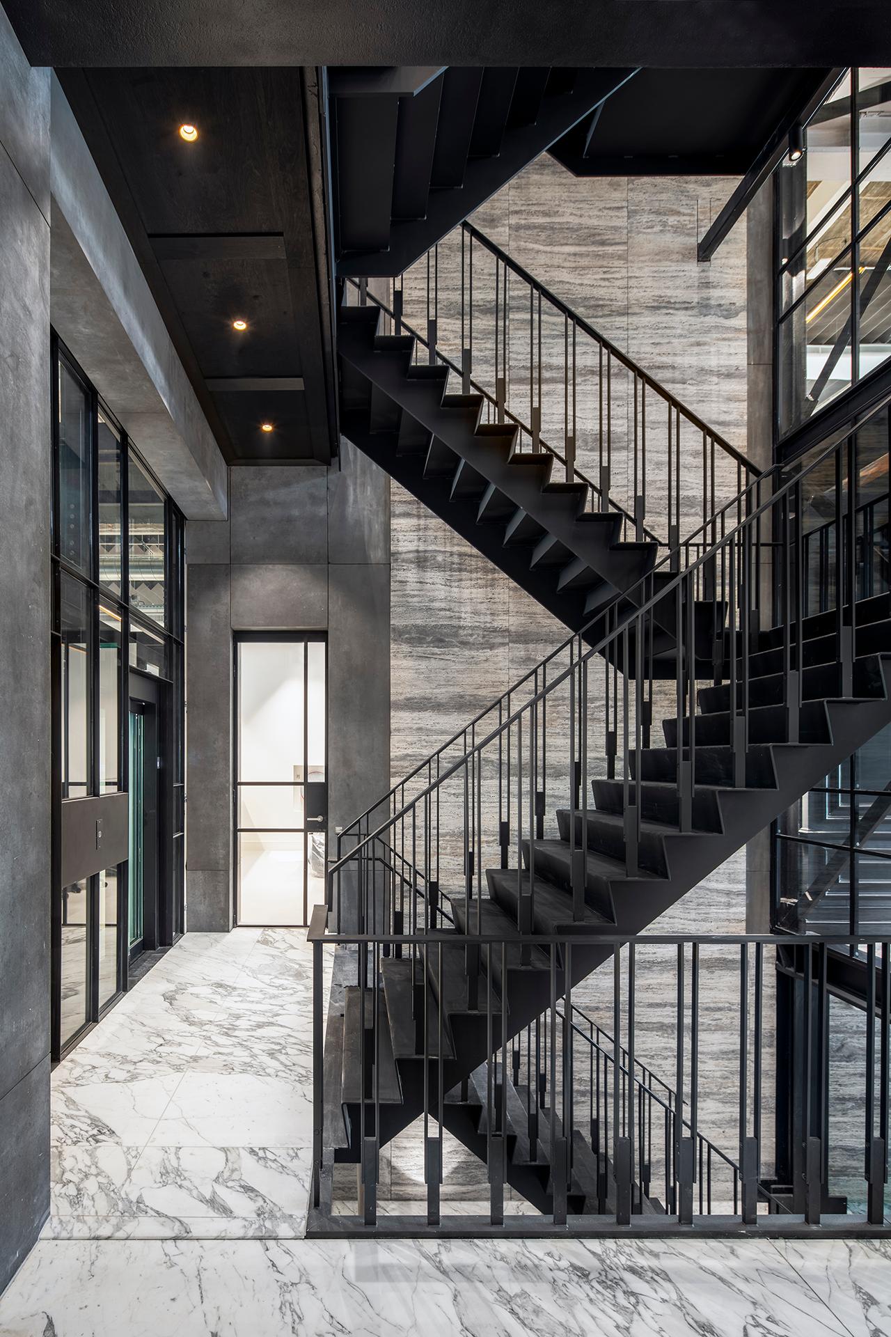 Keizersgracht super-slim steel facades, SL30 profile system